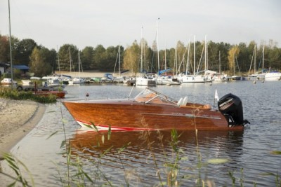 Wodowanie łodzi motorowej - White Eagle