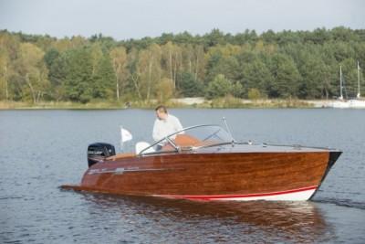 Testy na wodzie jachtów, motorówek - White Eagle